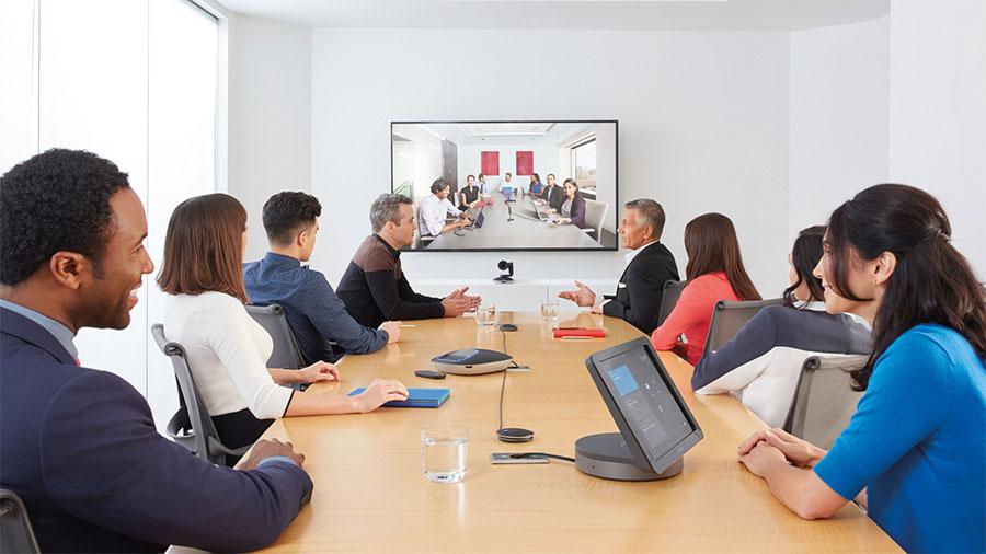 Salas grandes de videoconferencia